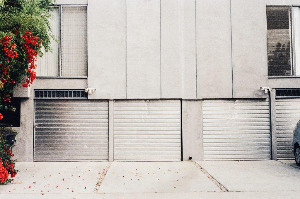 Bramy garażowe - przykład