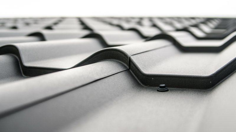 Płyta dachowa przykładem pokrycia dachowego