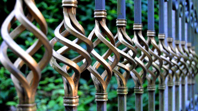 Luksusowe ogrodzenia kute - dlaczego warto?